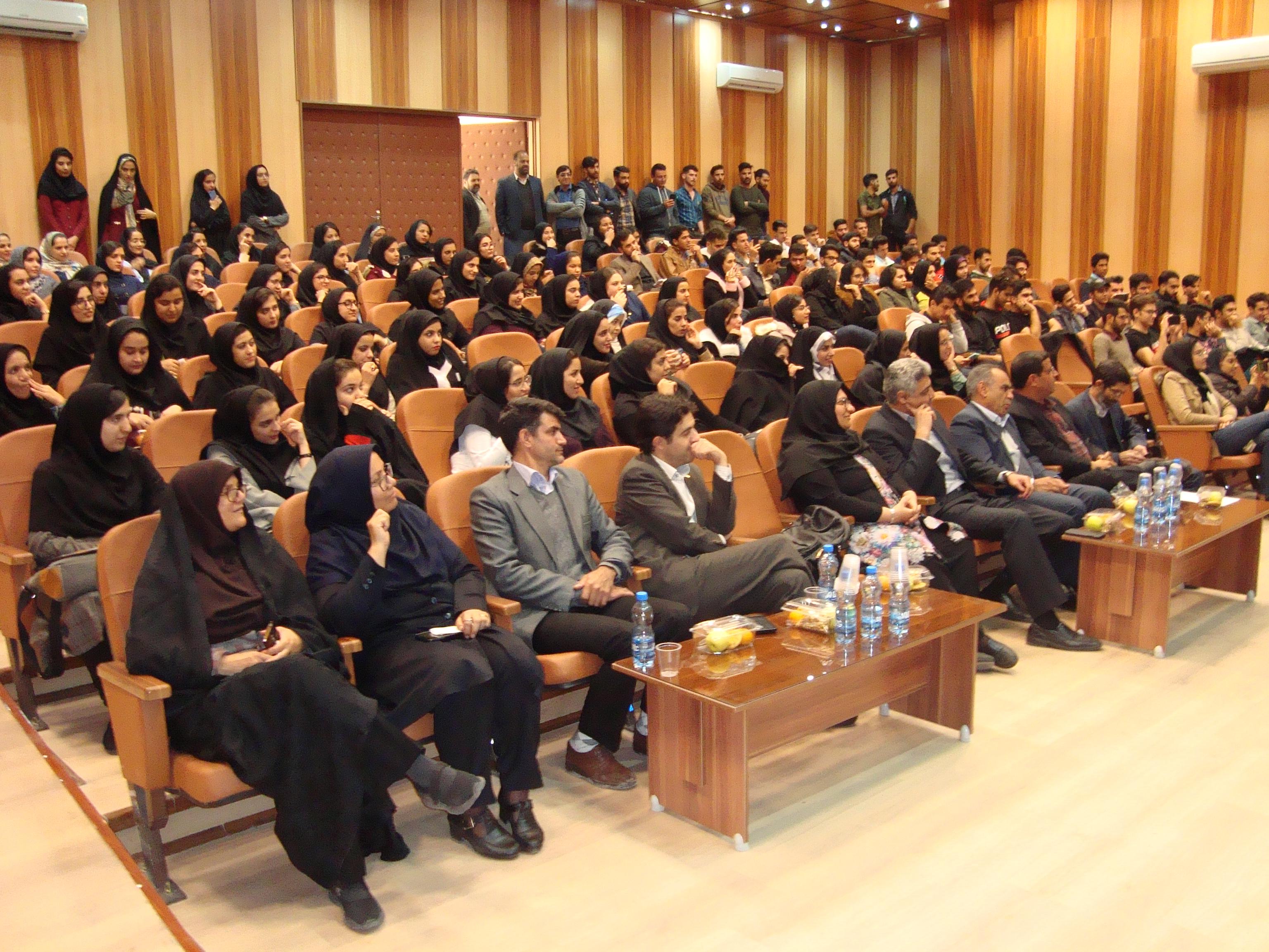 برگزاری جشن دانشجویی در مجتمع آموزش عالی زرند