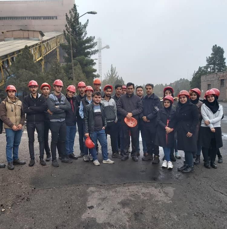 بازدید از کارخانه زغالشویی زرند به مناسبت هفته پژوهش